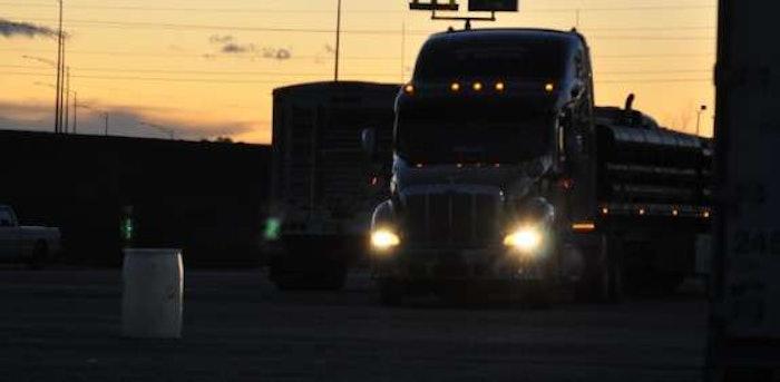 hours-night-truck-stop
