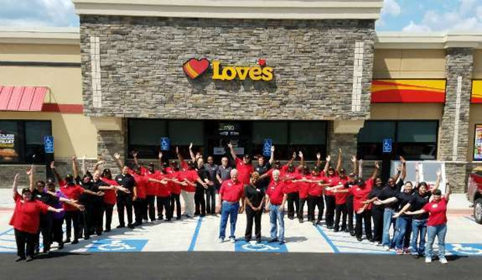 magee-loves-store-team