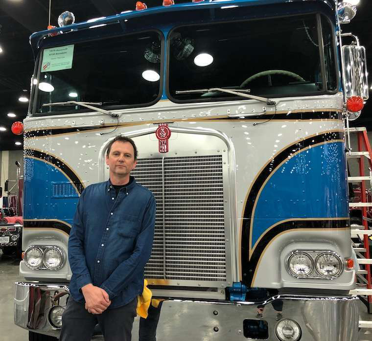 Meet this antique Kenworth COE and other old trucks