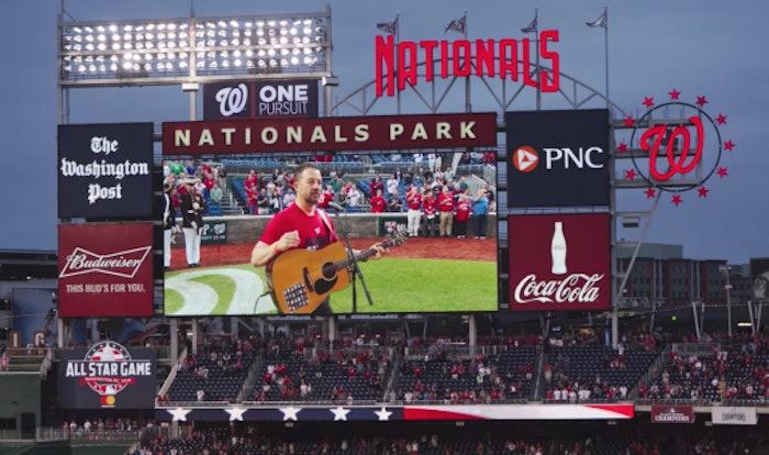 trucker-sings-national-anthem