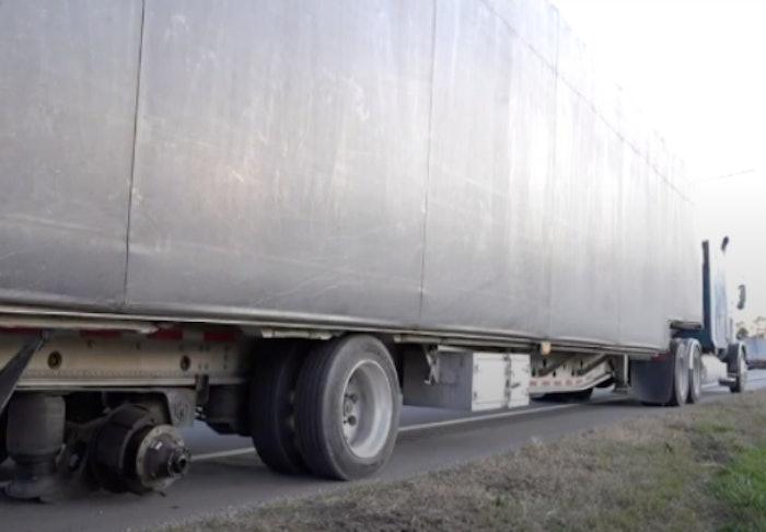 trailer-missing-tire
