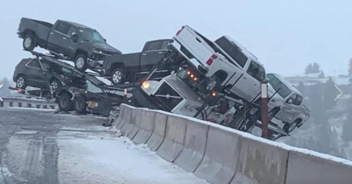 washington-car-hauler-accident