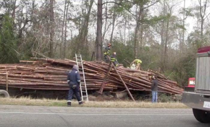 texas=logging-truck-accident